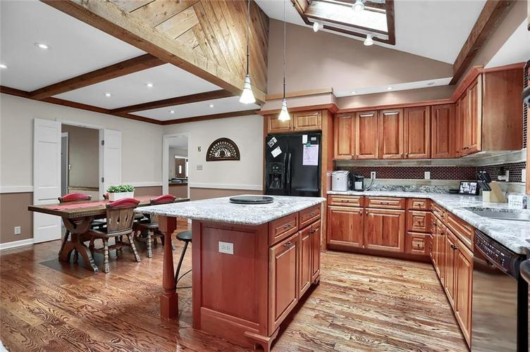 7504 Morningside Drive Indianapolis IN 46240   MLS 21709857   photo 19