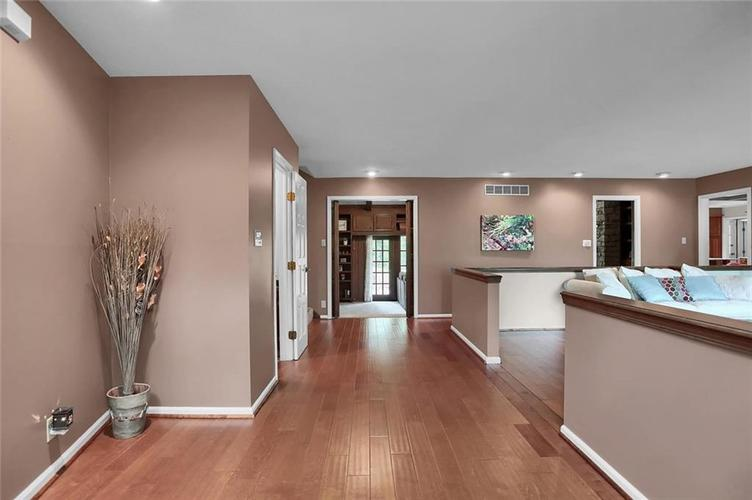 7504 Morningside Drive Indianapolis IN 46240   MLS 21709857   photo 4
