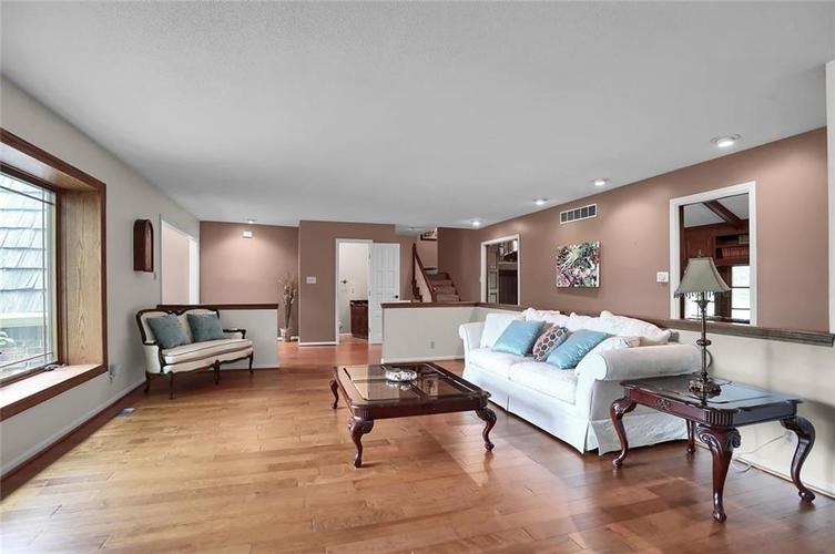 7504 Morningside Drive Indianapolis IN 46240   MLS 21709857   photo 6