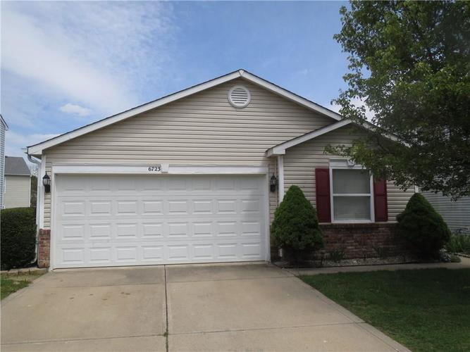 6723 Waverhill Drive Indianapolis IN 46217 | MLS 21709858 | photo 1
