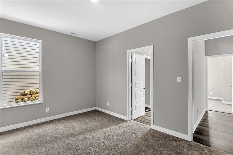 15338 Whelchel Drive Fishers IN 46037 | MLS 21709887 | photo 11