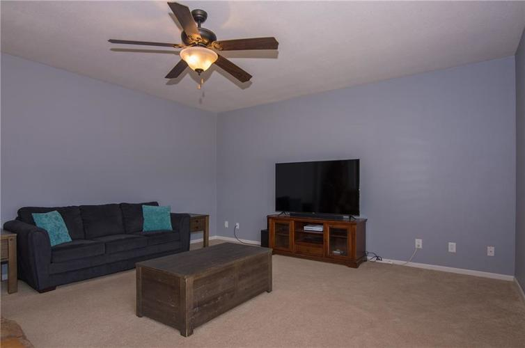1121 Central Park Drive Shelbyville IN 46176   MLS 21709909   photo 13