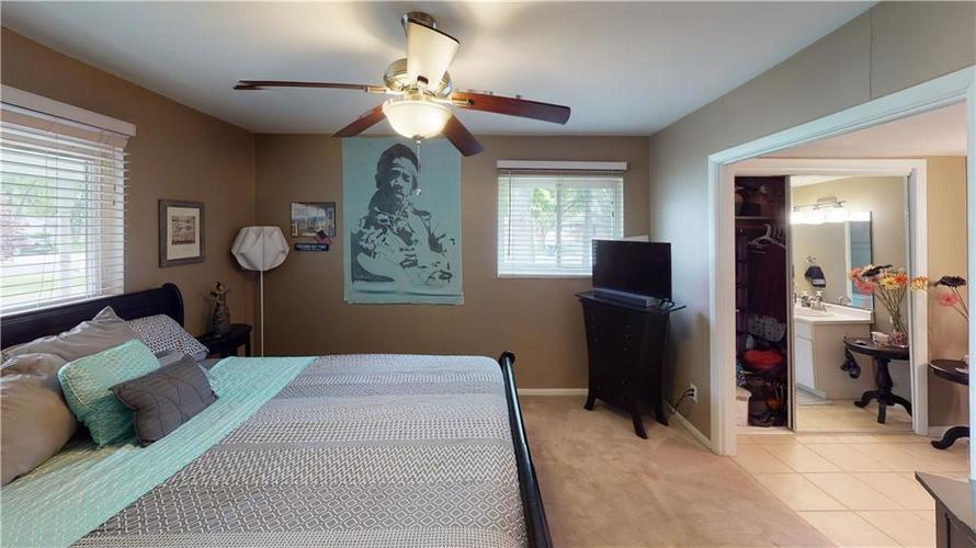8055 Wallingwood Drive Indianapolis IN 46256 | MLS 21709928 | photo 18