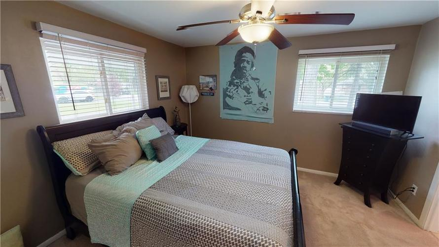 8055 Wallingwood Drive Indianapolis IN 46256 | MLS 21709928 | photo 19