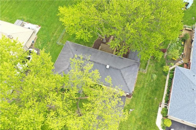 8055 Wallingwood Drive Indianapolis IN 46256 | MLS 21709928 | photo 31
