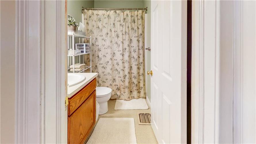 2312 E 66th Street Indianapolis IN 46220 | MLS 21709930 | photo 20