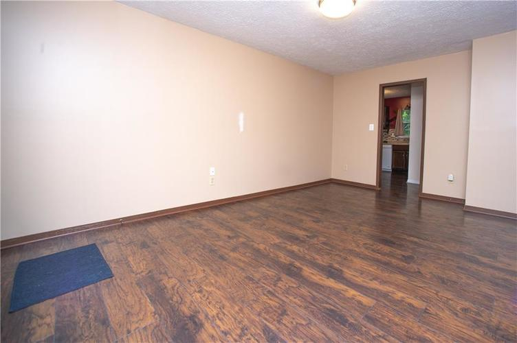 3102 Pawnee Drive Indianapolis IN 46235   MLS 21709981   photo 2