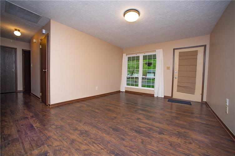 3102 Pawnee Drive Indianapolis IN 46235   MLS 21709981   photo 3