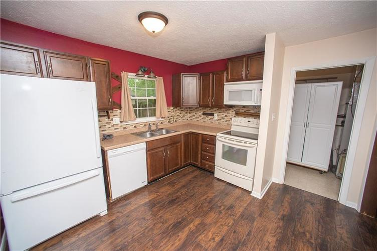 3102 Pawnee Drive Indianapolis IN 46235   MLS 21709981   photo 4