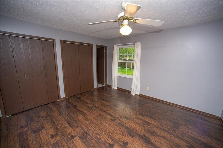 3102 Pawnee Drive Indianapolis IN 46235   MLS 21709981   photo 9