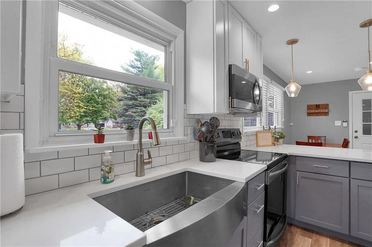 7636 N Chester Avenue Indianapolis IN 46240 | MLS 21709982 | photo 12