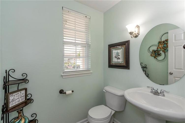 8744 New Heritage Drive Indianapolis IN 46239 | MLS 21710009 | photo 11