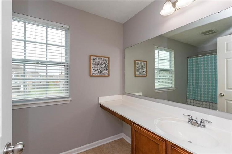 8744 New Heritage Drive Indianapolis IN 46239 | MLS 21710009 | photo 22
