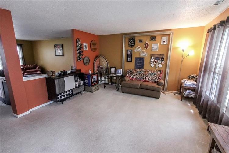 3350 PAVETTO Lane Indianapolis IN 46203   MLS 21710069   photo 2