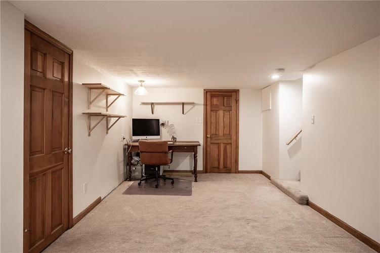 6407 BROADWAY Street Indianapolis IN 46220 | MLS 21710076 | photo 26