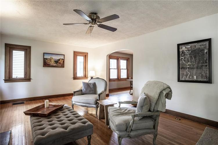6407 BROADWAY Street Indianapolis IN 46220 | MLS 21710076 | photo 7