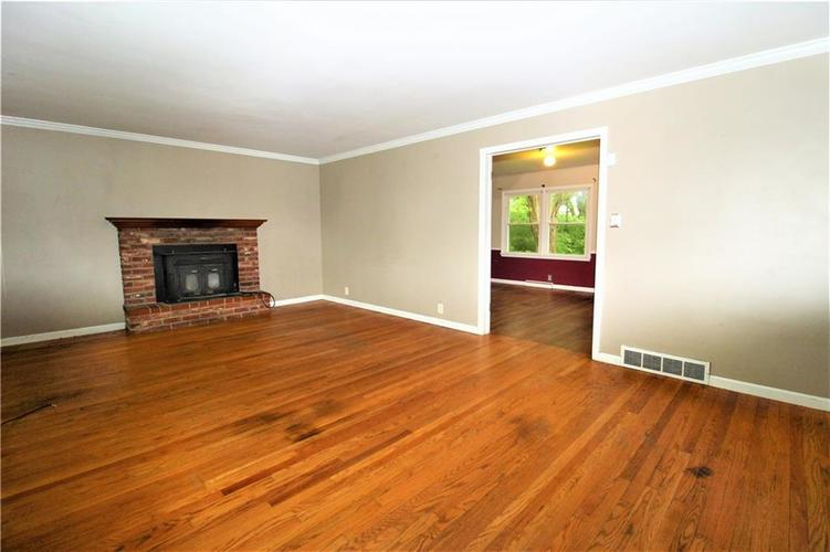 5422 Mann Road Indianapolis IN 46221 | MLS 21710081 | photo 4