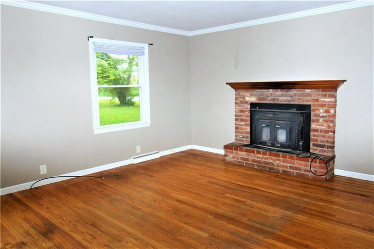 5422 Mann Road Indianapolis IN 46221 | MLS 21710081 | photo 5
