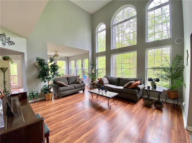 9743 Trevia Drive Indianapolis IN 46236 | MLS 21710094 | photo 13