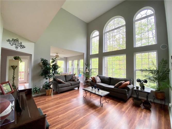 9743 Trevia Drive Indianapolis IN 46236 | MLS 21710094 | photo 14