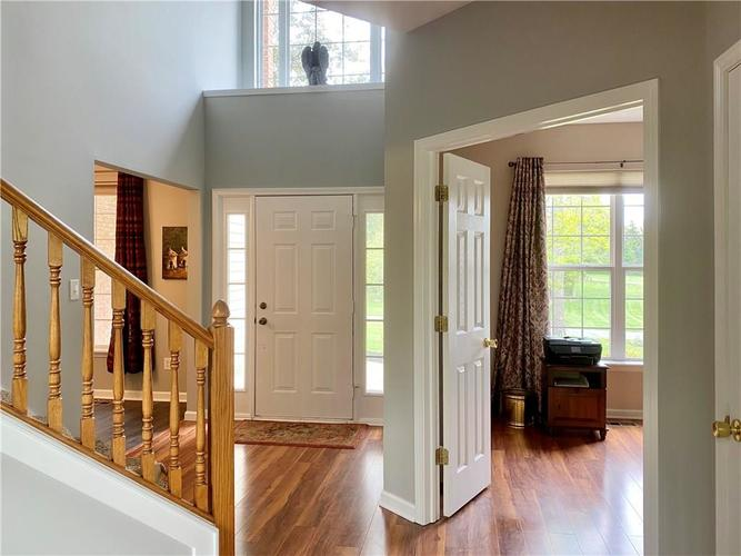 9743 Trevia Drive Indianapolis IN 46236 | MLS 21710094 | photo 5