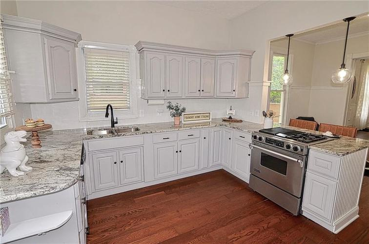 225 E 11th Street Indianapolis IN 46202 | MLS 21710099 | photo 10