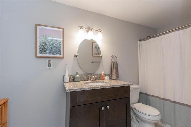819 Lincoln Street Indianapolis IN 46203 | MLS 21710110 | photo 18