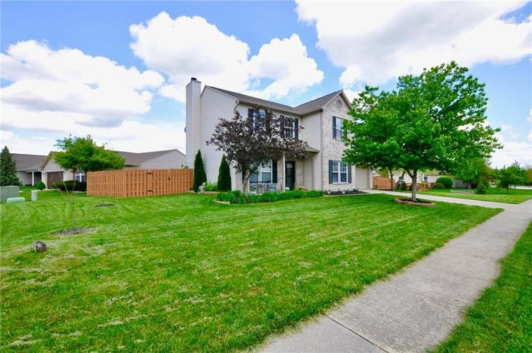 10598 ARMSTEAD Avenue Indianapolis IN 46234 | MLS 21710168 | photo 4