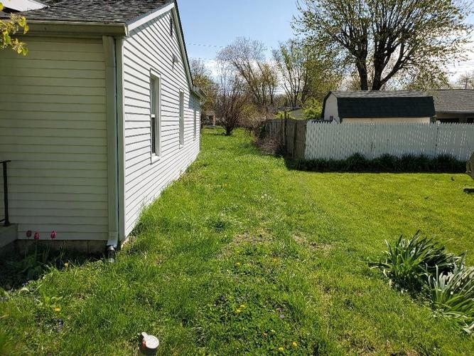 3419 S Parker Avenue Indianapolis IN 46237 | MLS 21710172 | photo 2