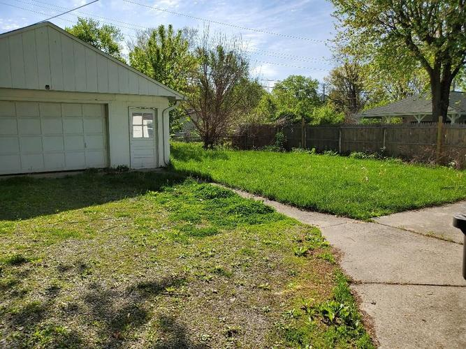 3419 S Parker Avenue Indianapolis IN 46237 | MLS 21710172 | photo 4