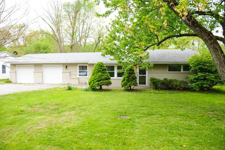 11012 College Ave N Indianapolis IN 46280   MLS 21710215   photo 1