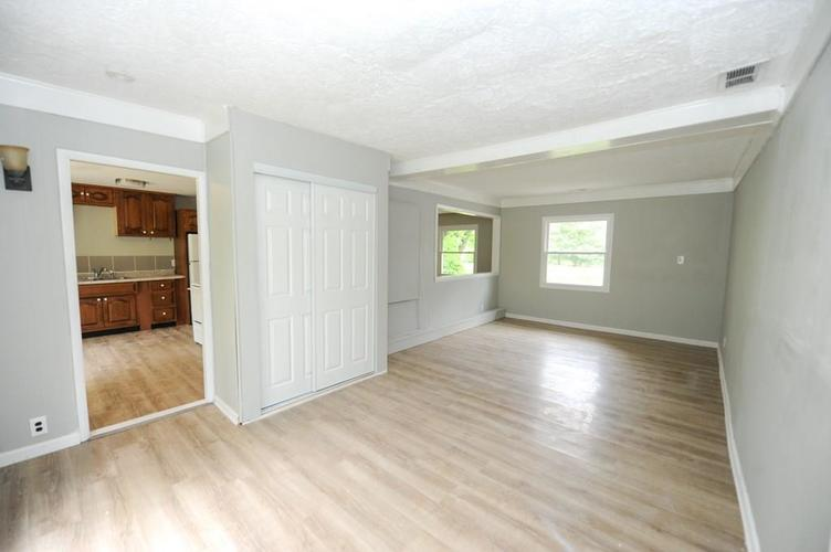 11012 College Ave N Indianapolis IN 46280   MLS 21710215   photo 16