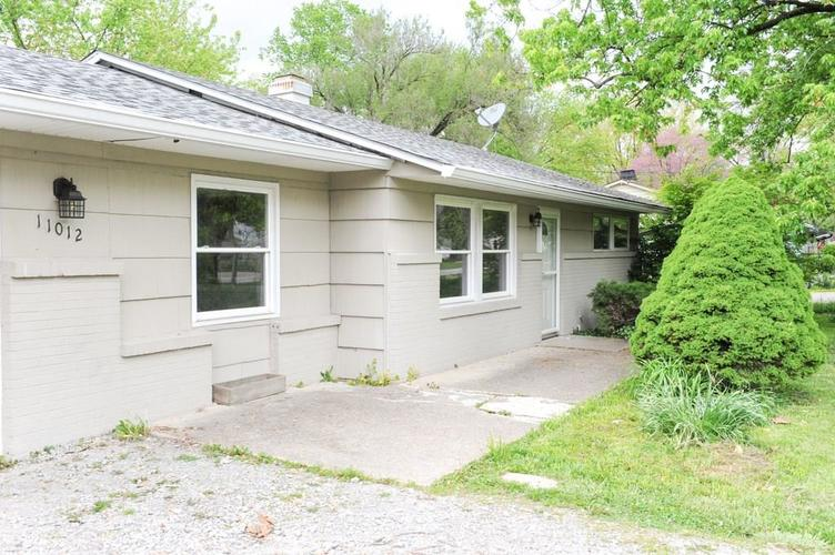 11012 College Ave N Indianapolis IN 46280   MLS 21710215   photo 2