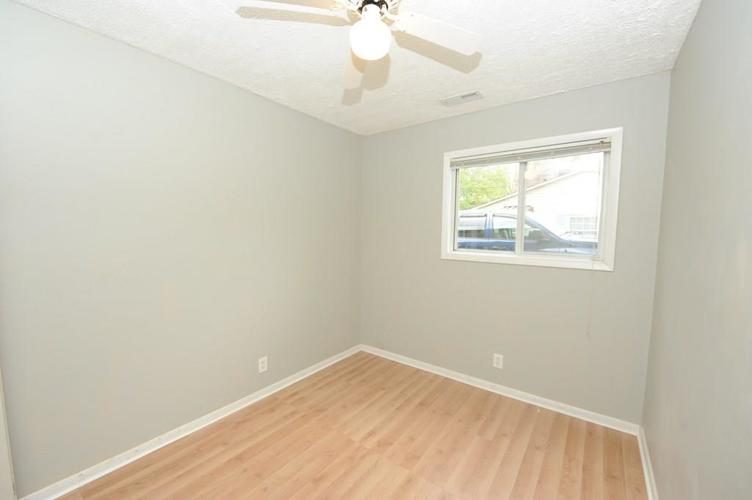 11012 College Ave N Indianapolis IN 46280   MLS 21710215   photo 23