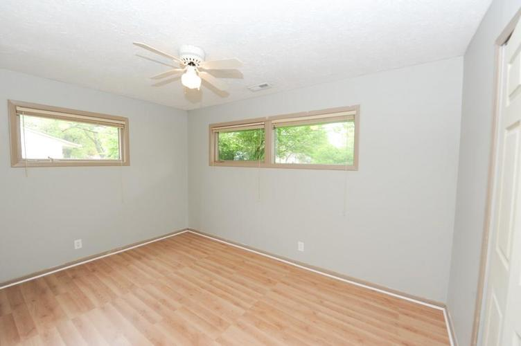 11012 College Ave N Indianapolis IN 46280   MLS 21710215   photo 25