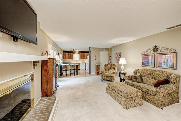 7524 Eagle Valley Pass Indianapolis IN 46214 | MLS 21710217 | photo 10