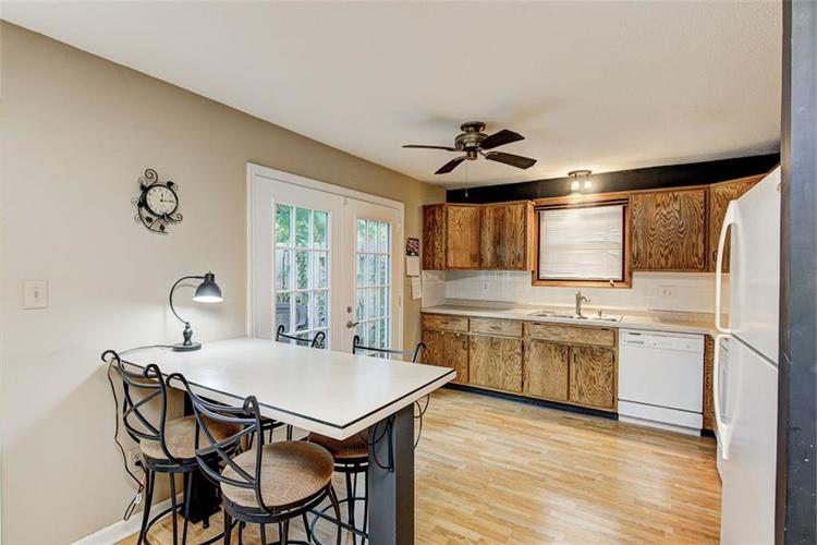 7524 Eagle Valley Pass Indianapolis IN 46214 | MLS 21710217 | photo 12