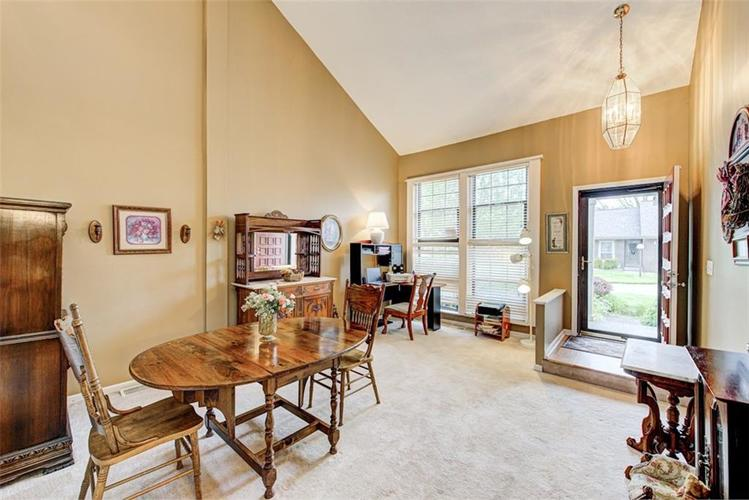 7524 Eagle Valley Pass Indianapolis IN 46214 | MLS 21710217 | photo 2
