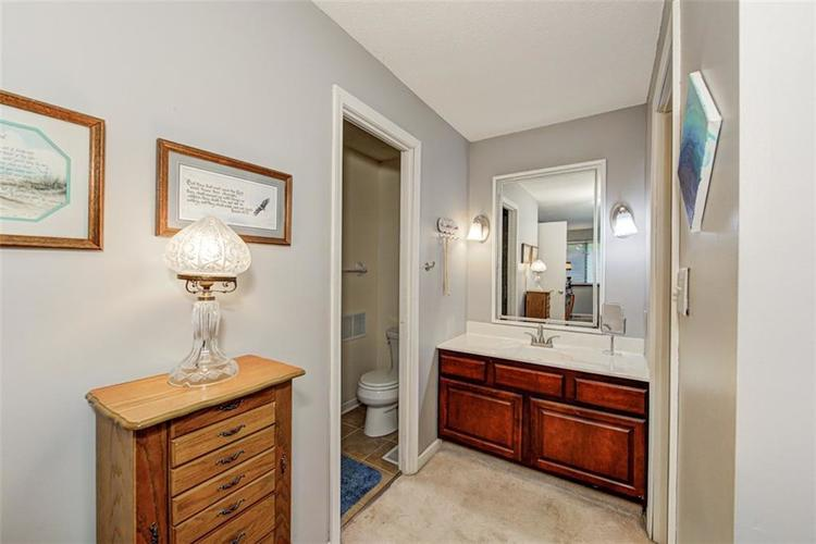 7524 Eagle Valley Pass Indianapolis IN 46214 | MLS 21710217 | photo 22