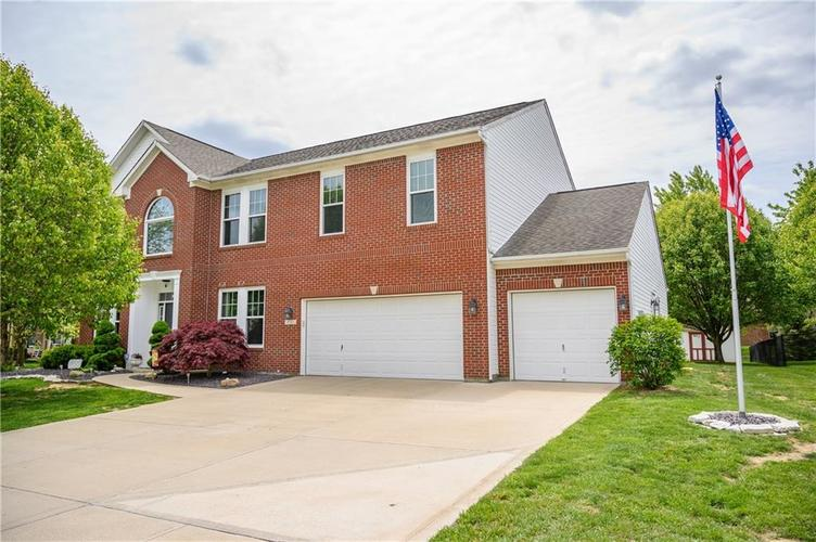 8127 Grassy Meadow Court Indianapolis IN 46259   MLS 21710227   photo 1