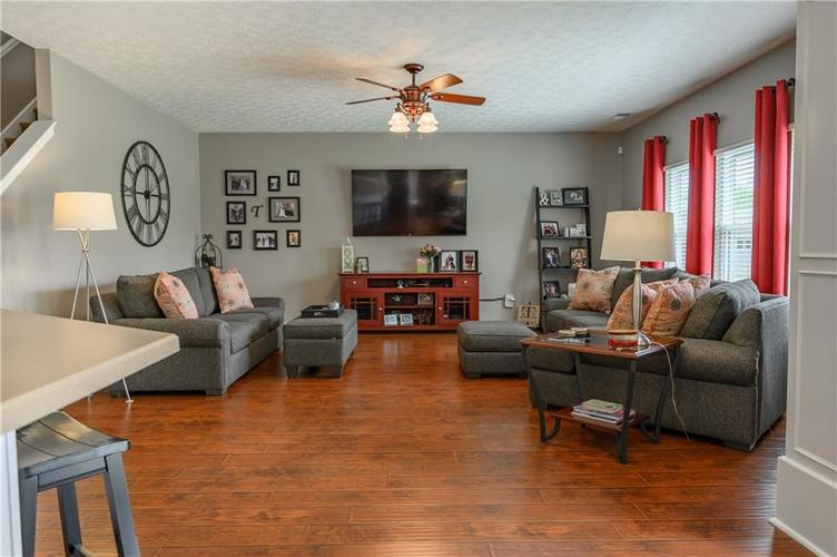 8127 Grassy Meadow Court Indianapolis IN 46259   MLS 21710227   photo 18