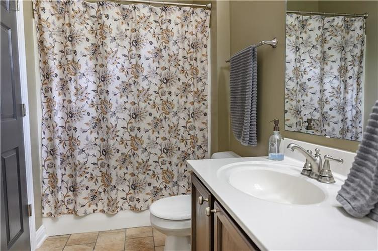 8127 Grassy Meadow Court Indianapolis IN 46259   MLS 21710227   photo 23
