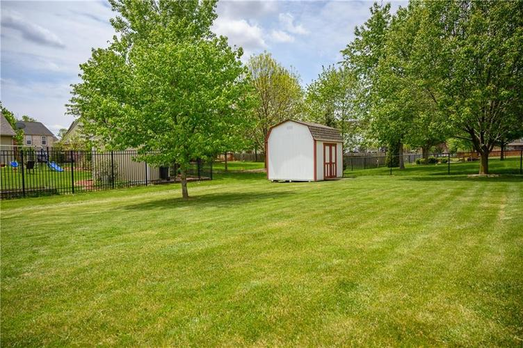 8127 Grassy Meadow Court Indianapolis IN 46259   MLS 21710227   photo 56