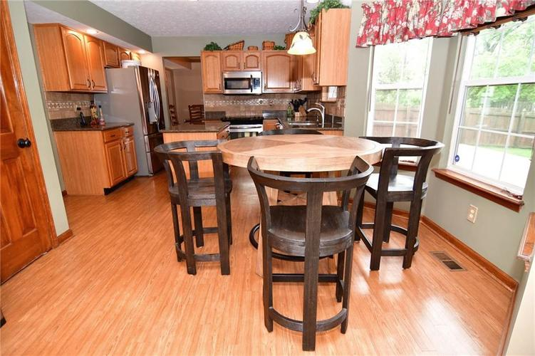 3343 Yorkshire Drive Greenwood IN 46143 | MLS 21710233 | photo 11