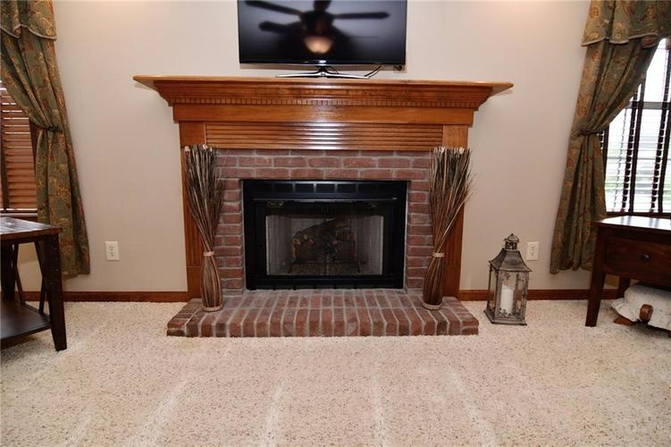 3343 Yorkshire Drive Greenwood IN 46143 | MLS 21710233 | photo 13