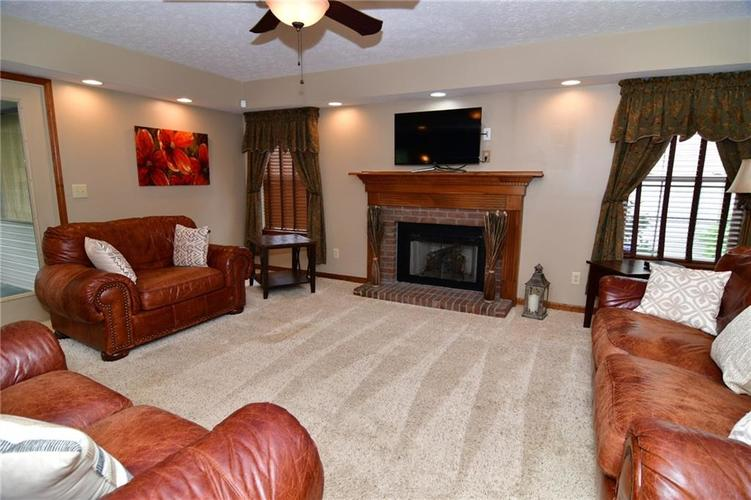 3343 Yorkshire Drive Greenwood IN 46143 | MLS 21710233 | photo 14