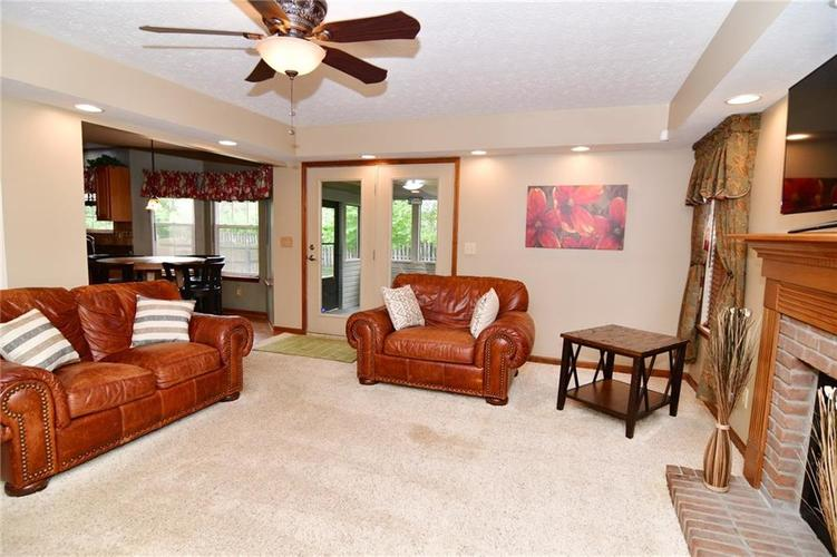 3343 Yorkshire Drive Greenwood IN 46143 | MLS 21710233 | photo 15