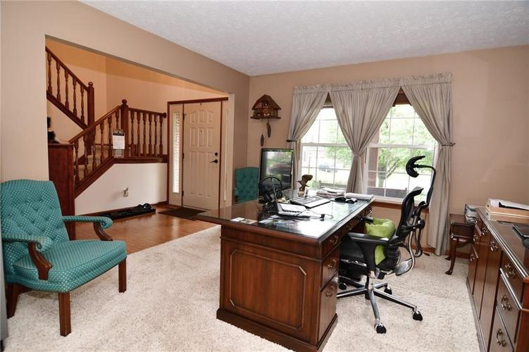 3343 Yorkshire Drive Greenwood IN 46143 | MLS 21710233 | photo 19