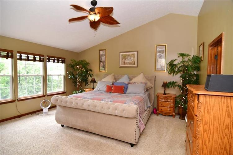 3343 Yorkshire Drive Greenwood IN 46143 | MLS 21710233 | photo 22