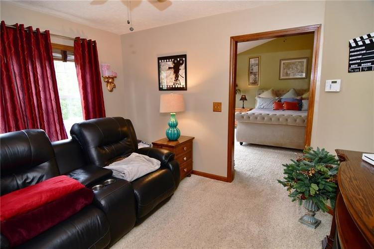 3343 Yorkshire Drive Greenwood IN 46143 | MLS 21710233 | photo 24
